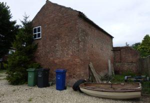 Hinter dem Boot befand sich die Werkstatt des Ururgroßvaters George Booth