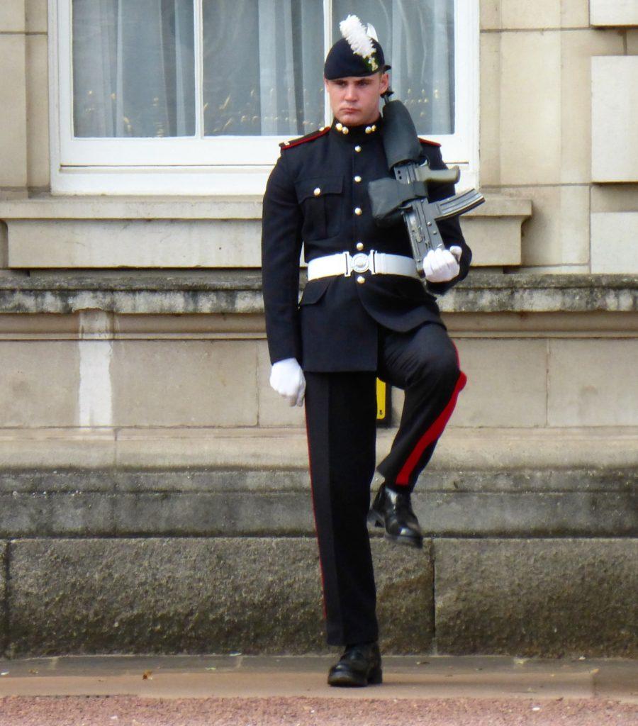 diensthabender Soldat des Buckingham Palace